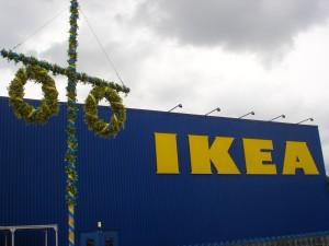 IKEA mit Maibaum
