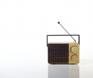 magno_wooden_radio_europe